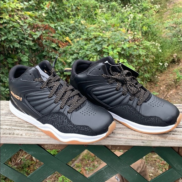 AND 1 Sneakers Sz 7 NWT